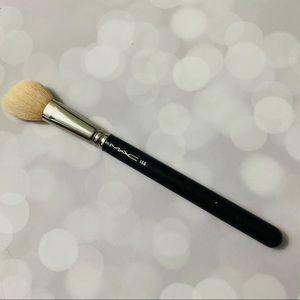 MAC Full Size 168 Brush